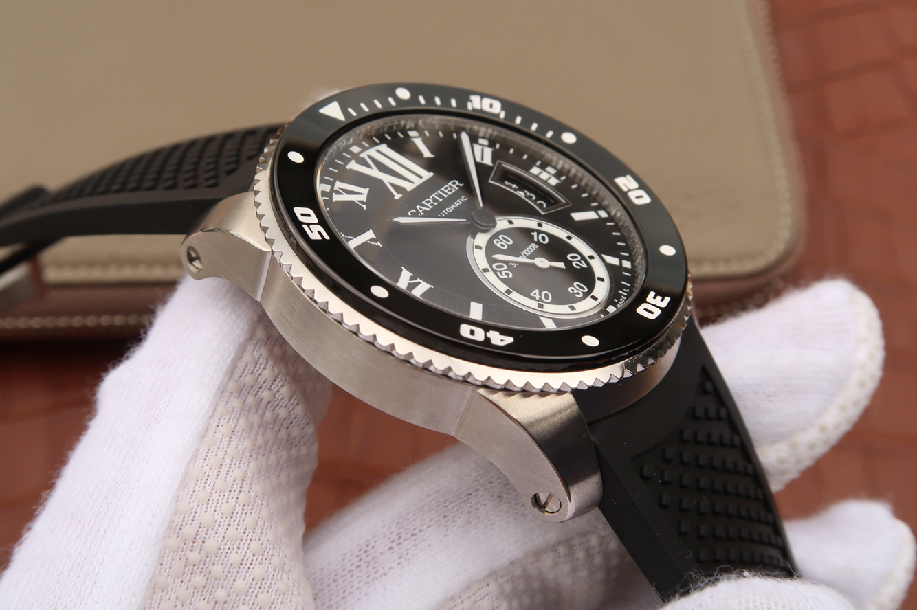 Calibre de Cartier Black Bezel