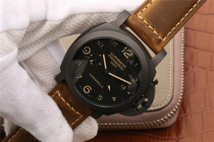 KW V2 Panerai Luminor GMT PAM 441 Ceramica Replica