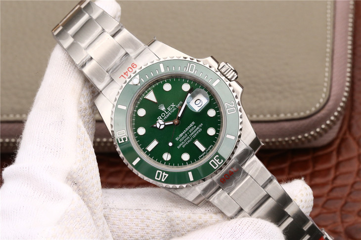 Noob Factory V8S Rolex Green Submariner 116610LV