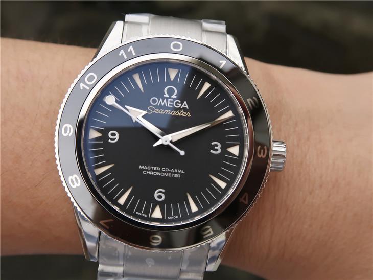 Omega Spectre 007 Wrist Shot