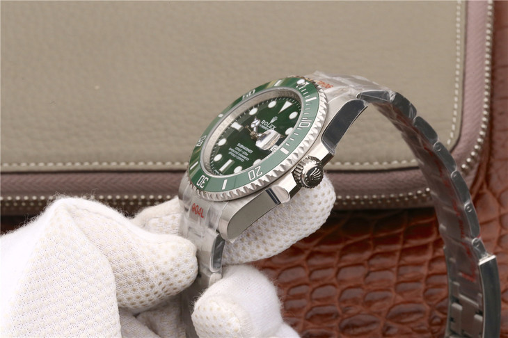 Replica Rolex 116610LV Green Rotating Bezel