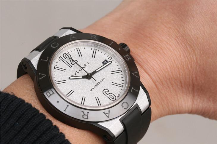 Replica Bvlgari Magnesium Wrist Shot