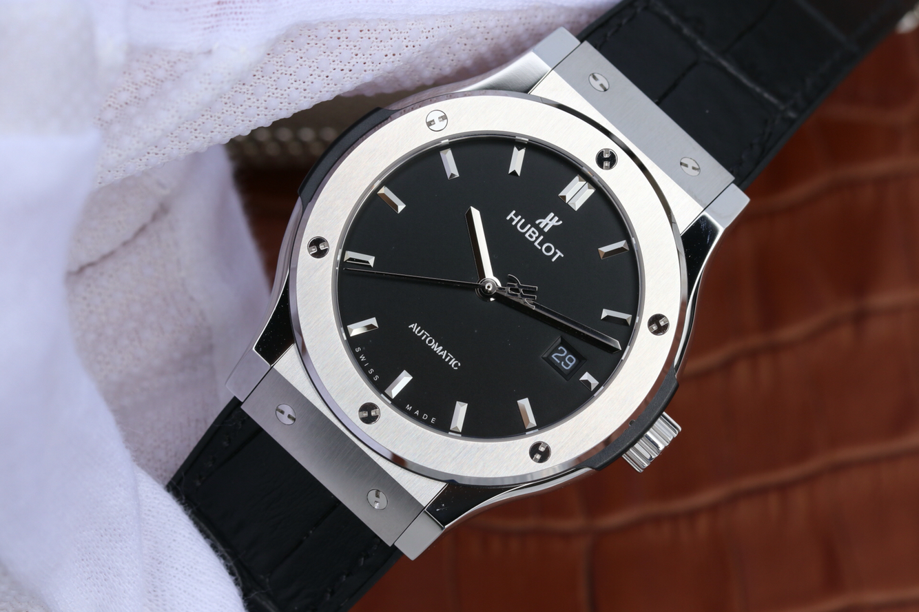 Replica Hublot Classic Fusion Titanium Watch