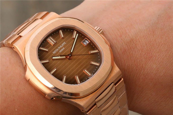 Replica Patek Philippe 5711 Wrist Shot