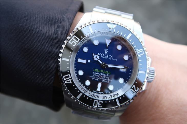 Replica Rolex DEEPSEA 116660 Wrist Shot