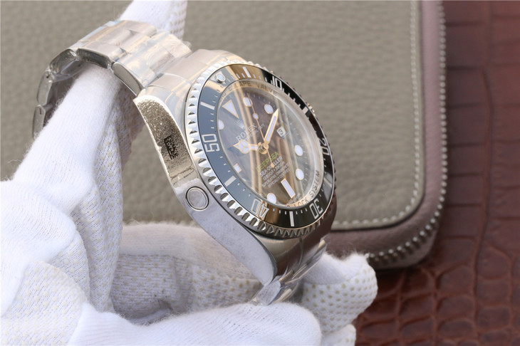 Replica Rolex DEEPSEA D-Blue Case