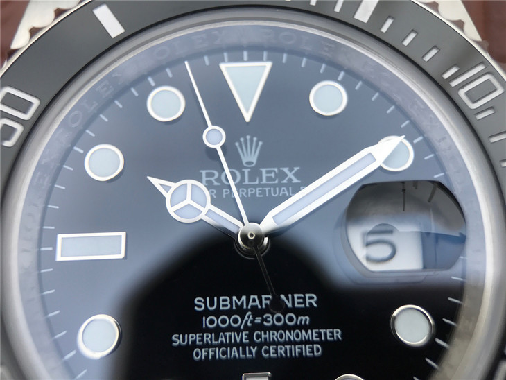 Replica Rolex Submariner 116610LN Hour Markers