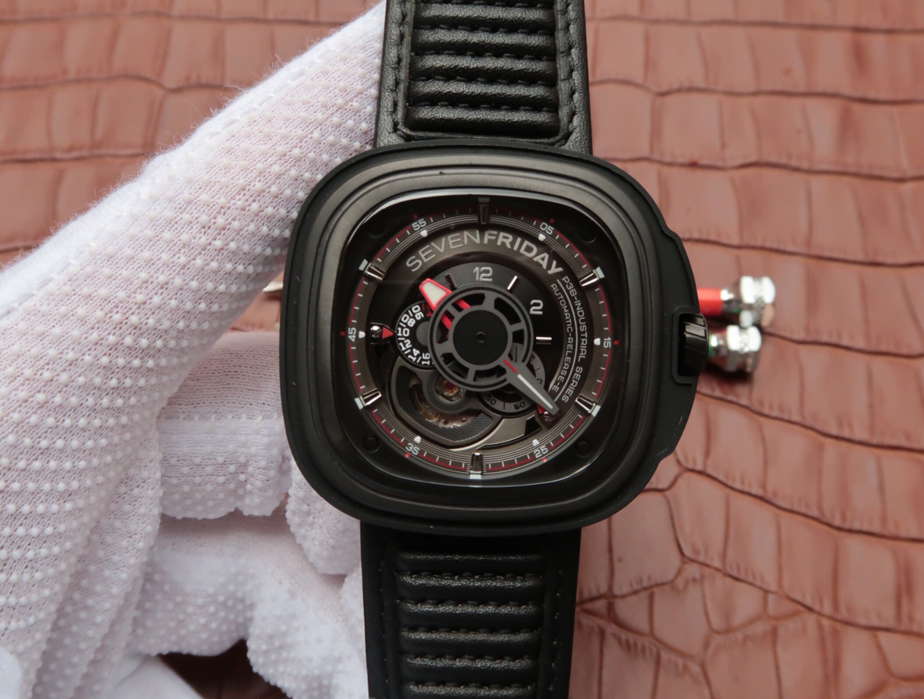 Replica SevenFriday Racer P3B 01