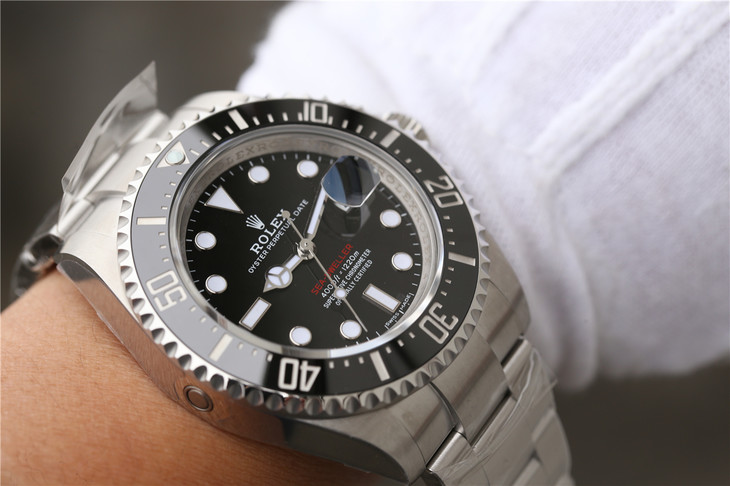 Replica Rolex Sea-Dweller 126600 Wrist Shot