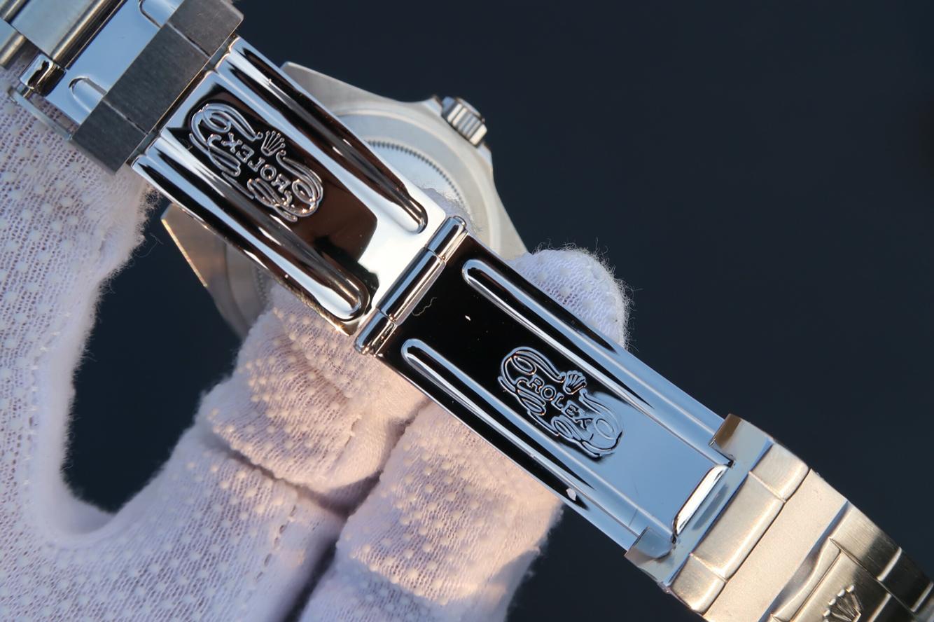 Replica Rolex 16610LV Clasp Engraving