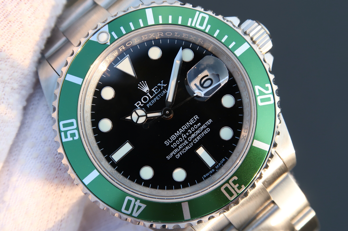 Replica Rolex Submairner 16610LV Black Dial