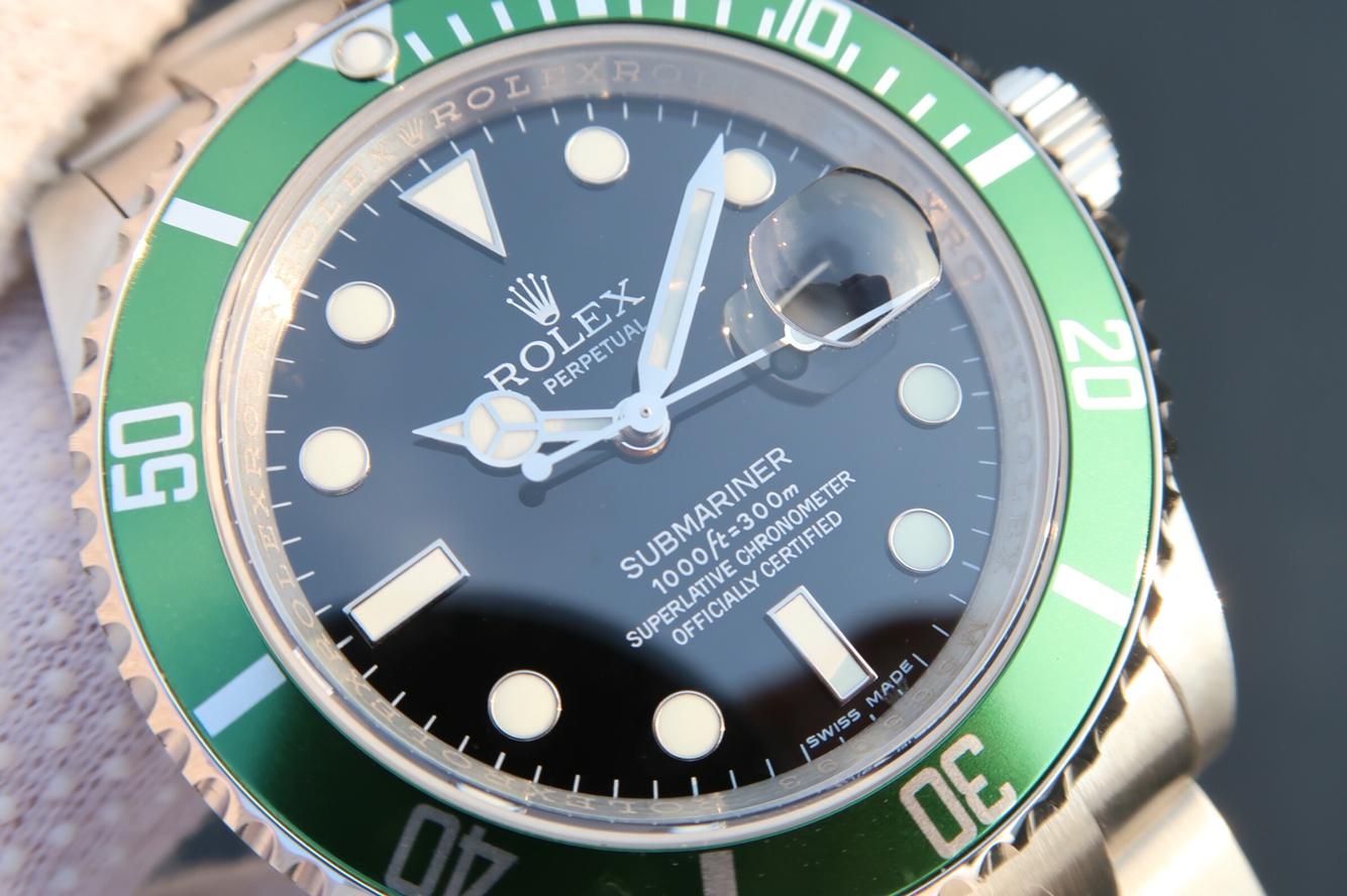 Replica Rolex Submariner Green Bezel