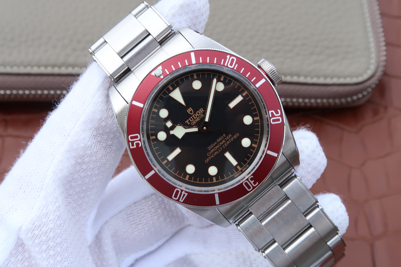 Replica Tudor Heritage Black Bay Red