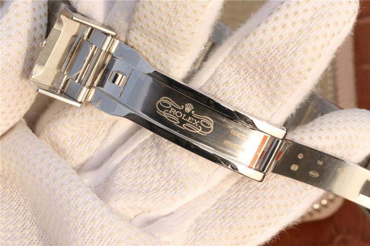 Rolex 116619LB Clasp Engravings