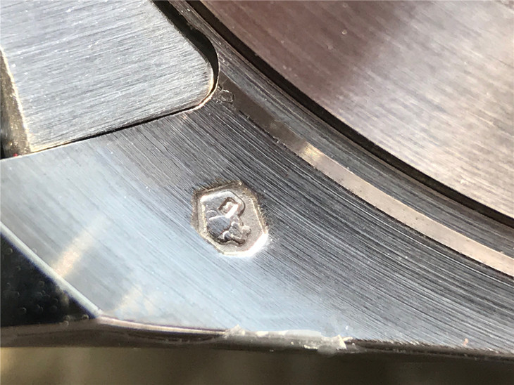 Lug Engraving 2