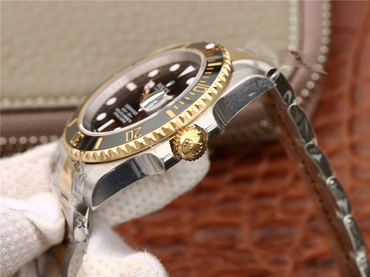 Replica Rolex 116613 Golden Crown