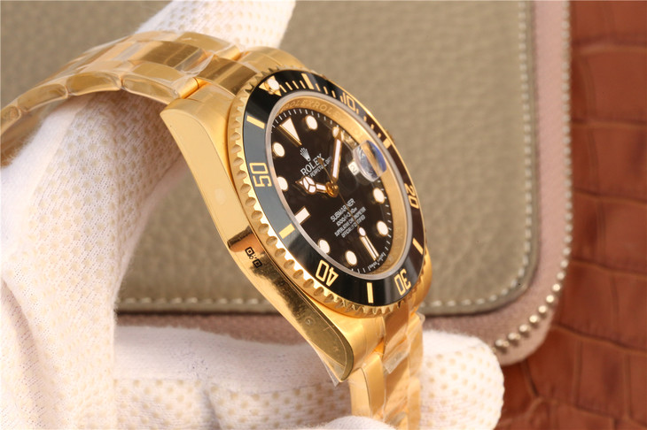 Replica Rolex Submariner Yellow Gold Case