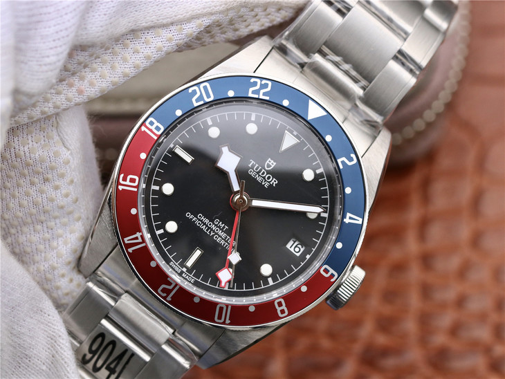 ZF Tudor Black Bay Blue Red