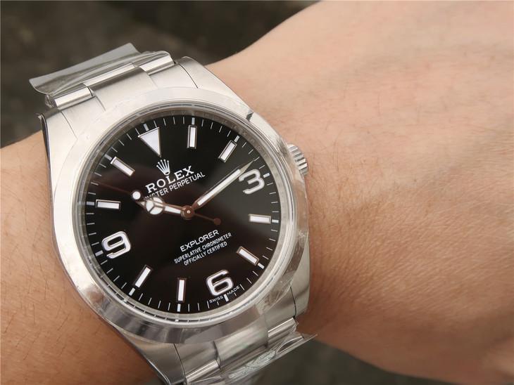 Replica Rolex Explorer I Wrist Shot