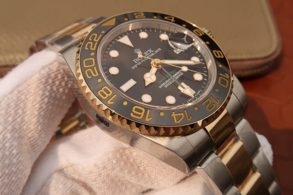 Replica Rolex GMT 2 Left Case