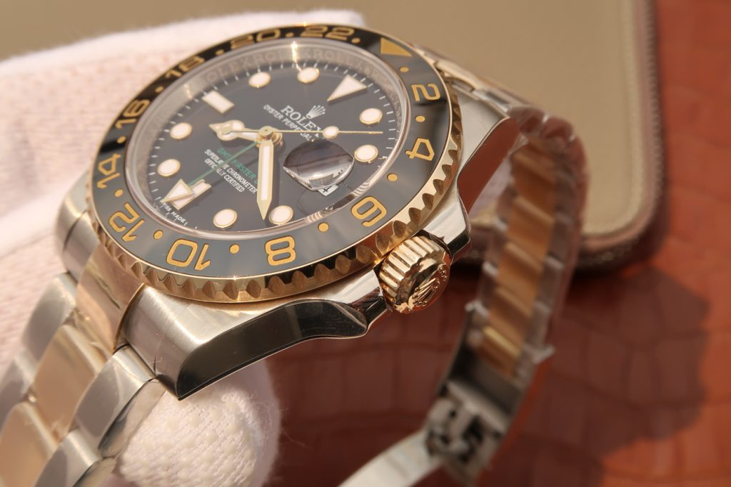Replica Rolex GMT 2 Right Case