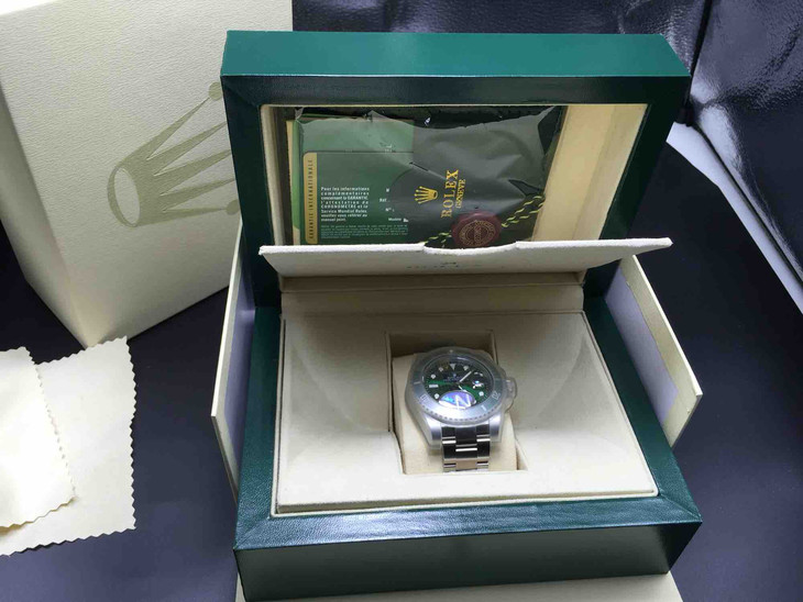 116660 with Original Rolex Box