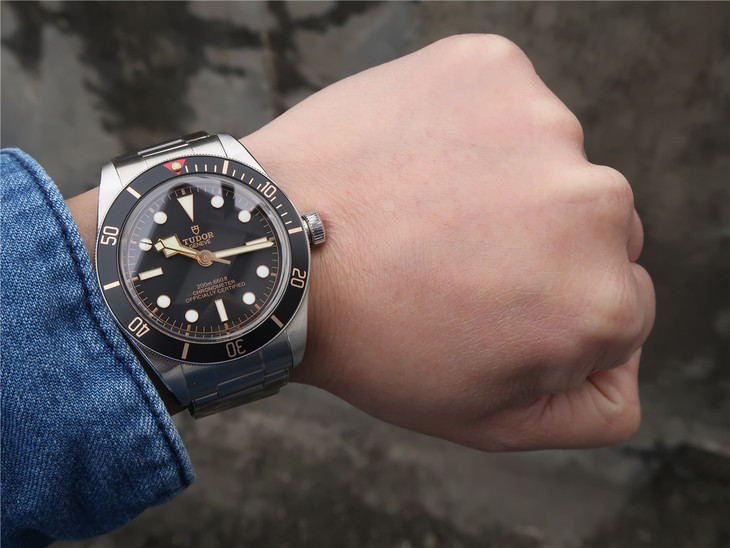 Replica Tudor Watch Wrist Shot