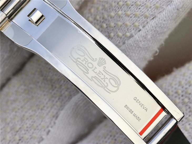 Replica Rolex GMT 126710 Clasp 1