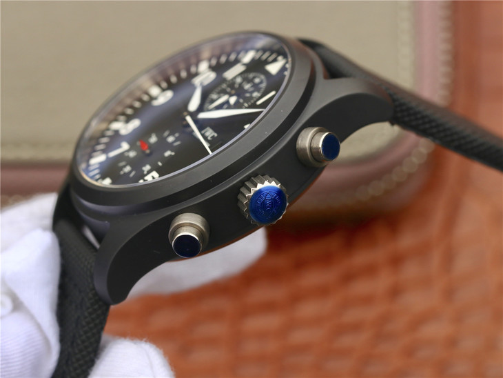 IW389001 Crown Buttons and Chronograph Pushers