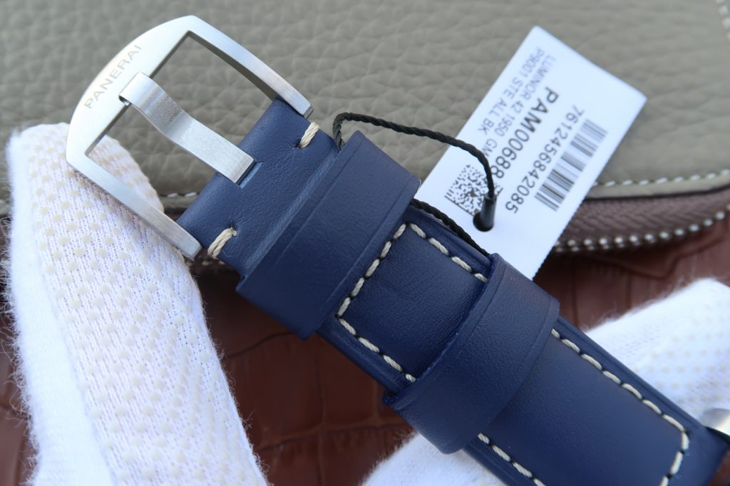 PAM 688 Blue Leather Strap