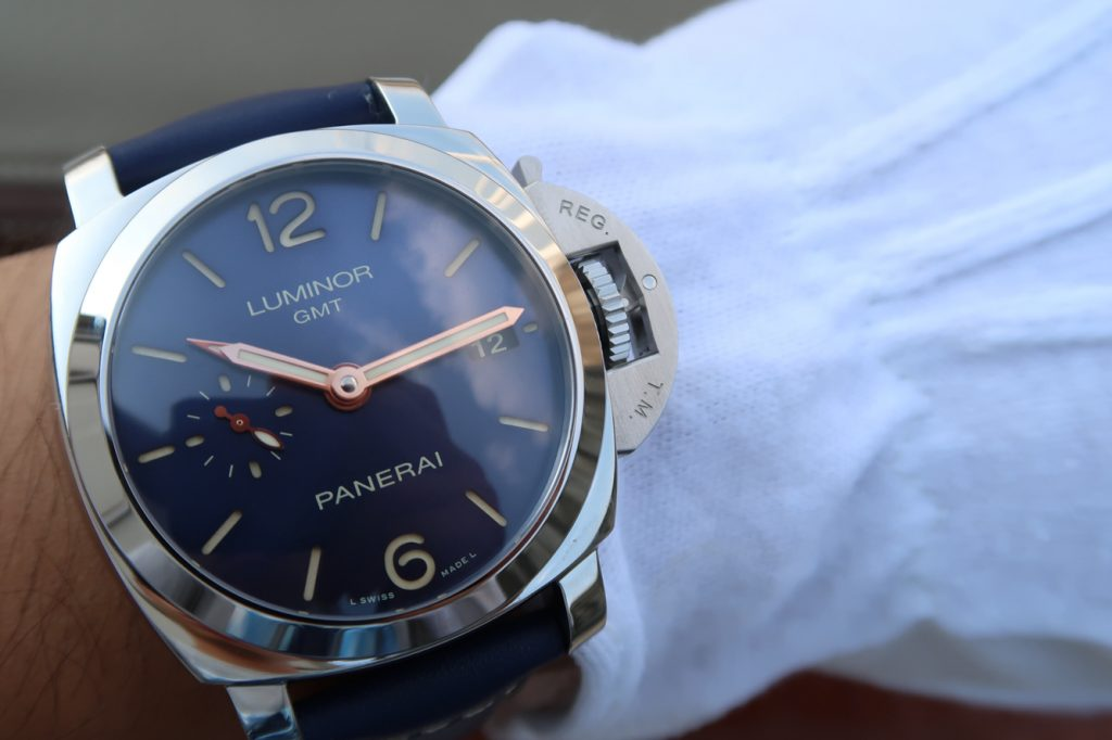 PAM 688 Wrist Shot