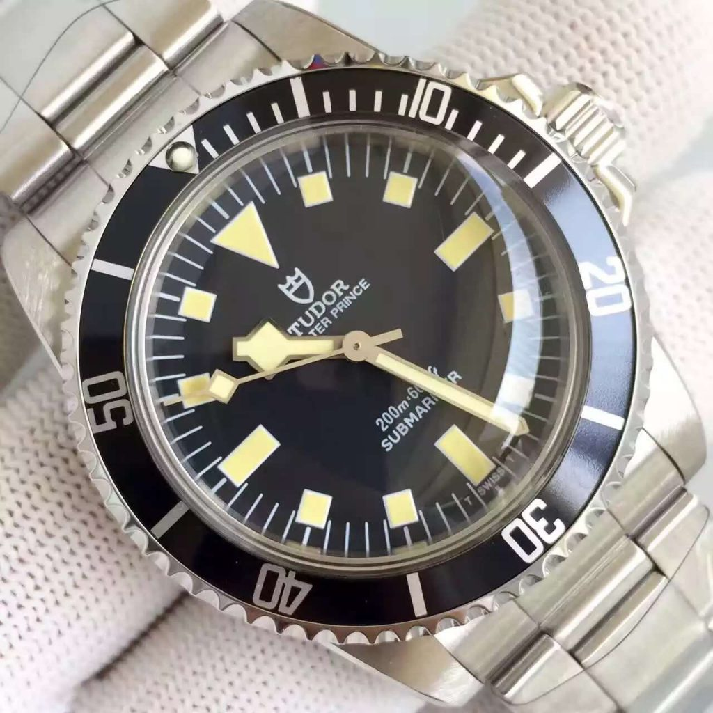 Tudor Submariner Dial