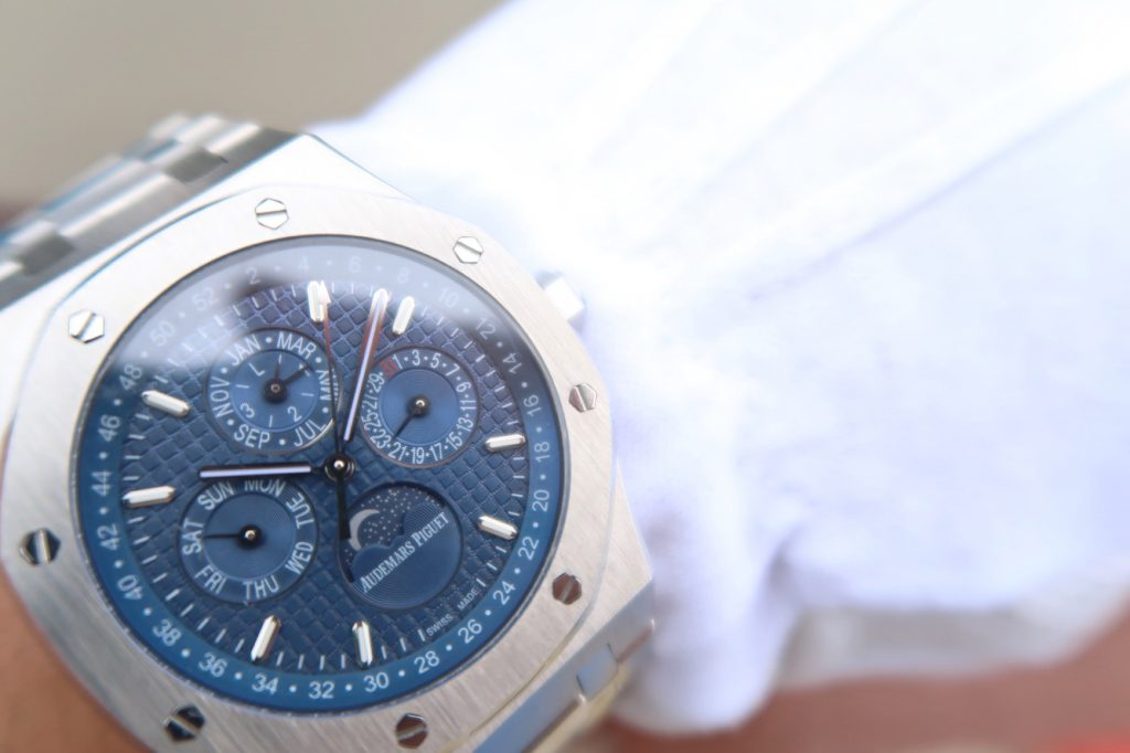 Audemars Piguet 26574 Wrist Shot