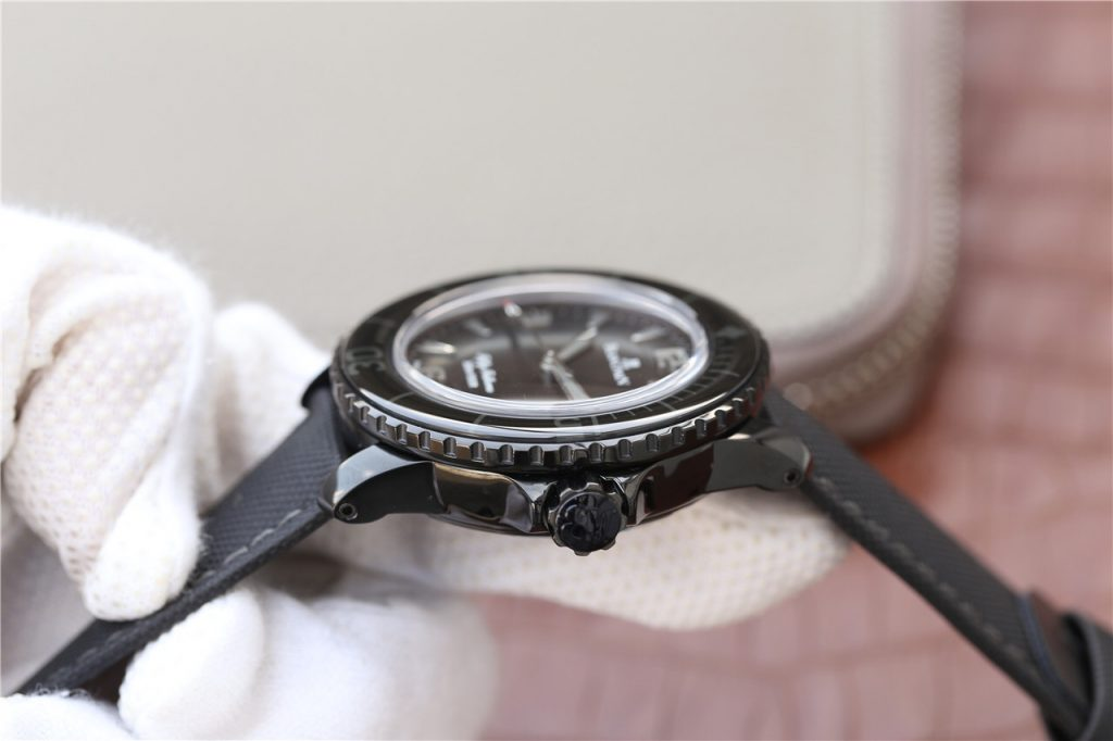 Blancpain Logo on Crown