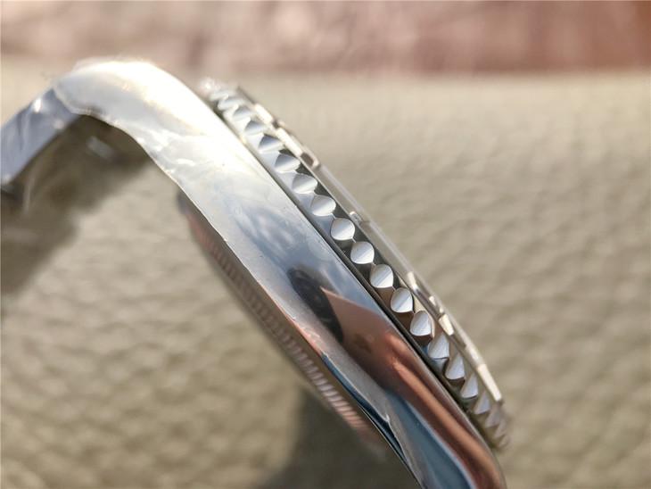Rolex Yacht-Master 116622 Bezel Flutes
