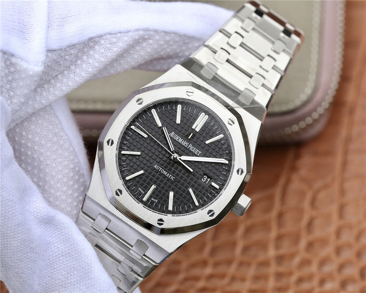 Replica Audemars Piguet Royal Oak 15400 Stainless Steel