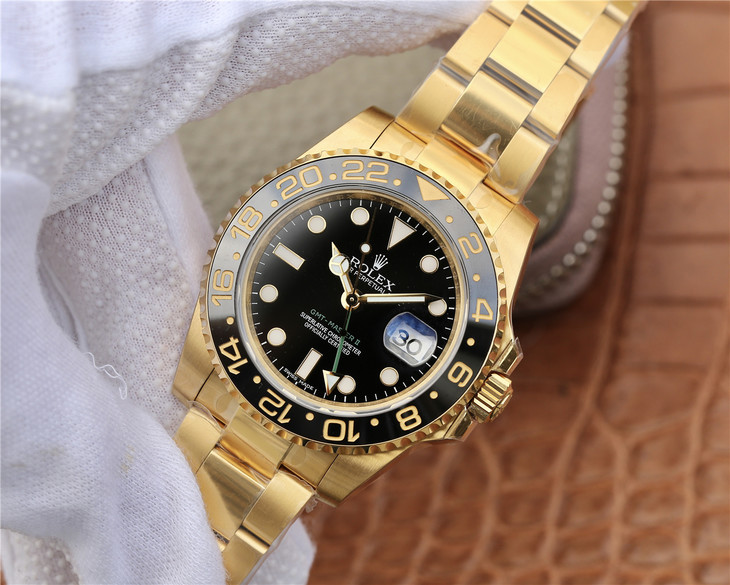 Replica Rolex GMT-Master II 116718LN