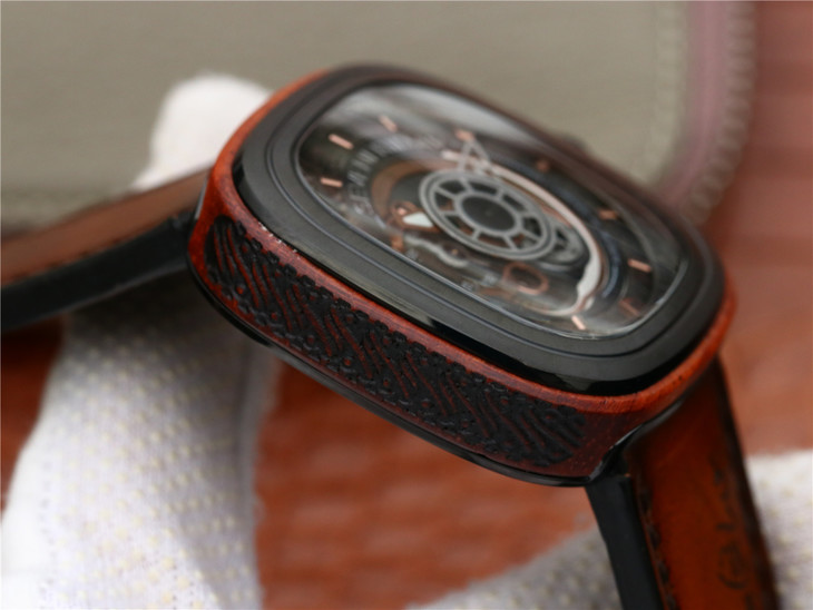 SevenFriday Wood Case