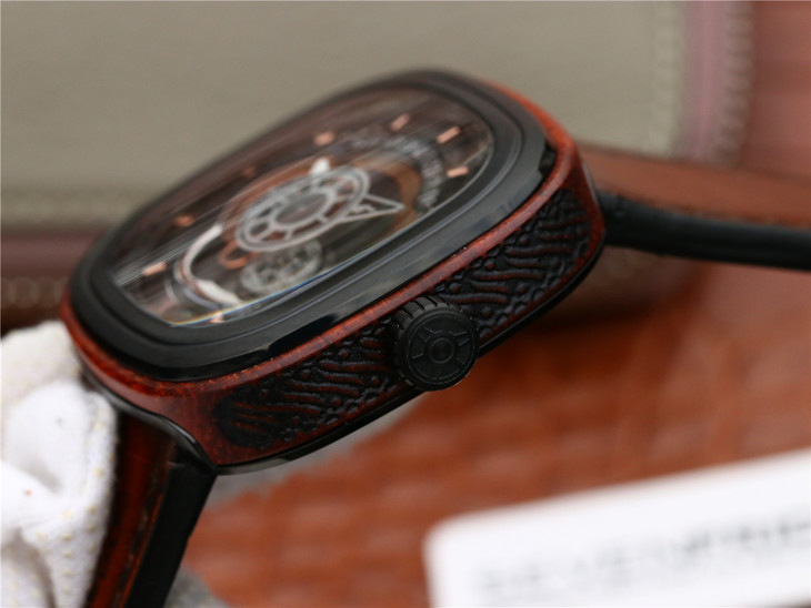 SevenFriday Wood Crown