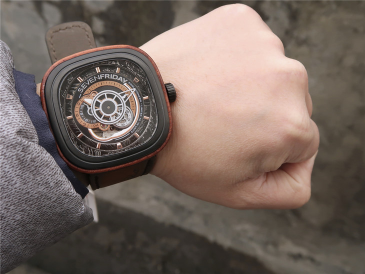 SevenFriday Woody Wrist Shot