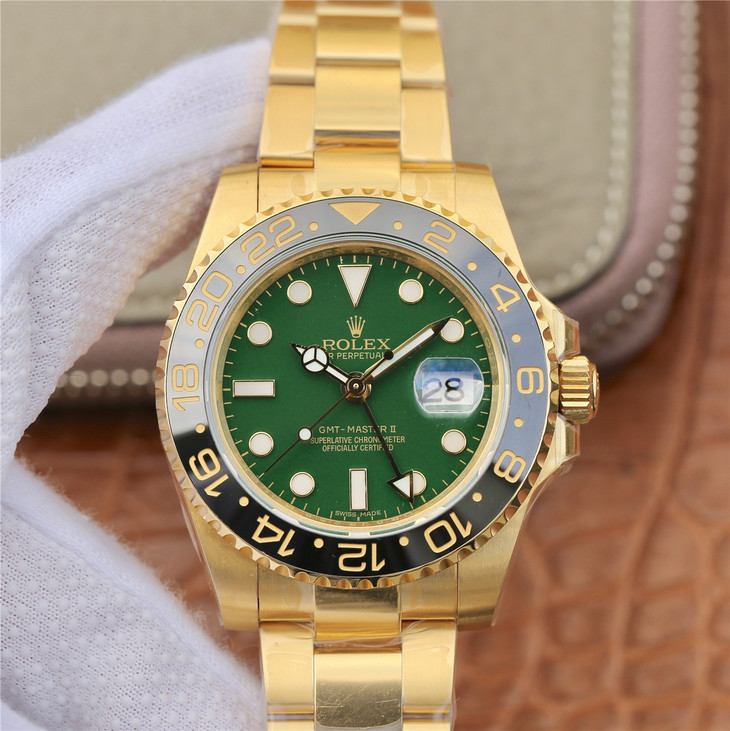 Replica Rolex GMT-Master II Green Dial