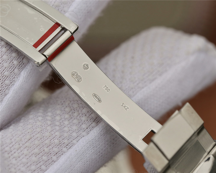 Rolex GMT-Master II 116719BLRO Clasp