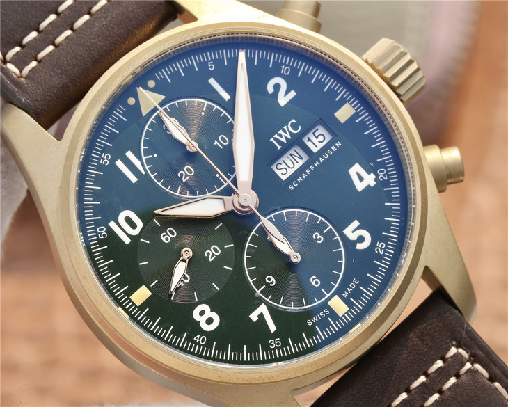 IW387902 Green Dial