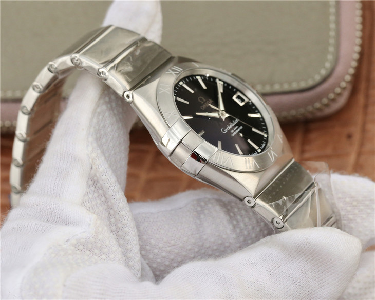 Omega Constellation Case