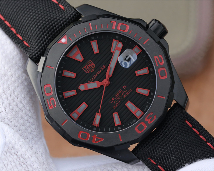 Replica Tag Heuer Aquaracer Black Dial