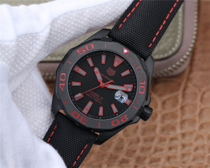 Replica Tag Heuer Aquaracer Red