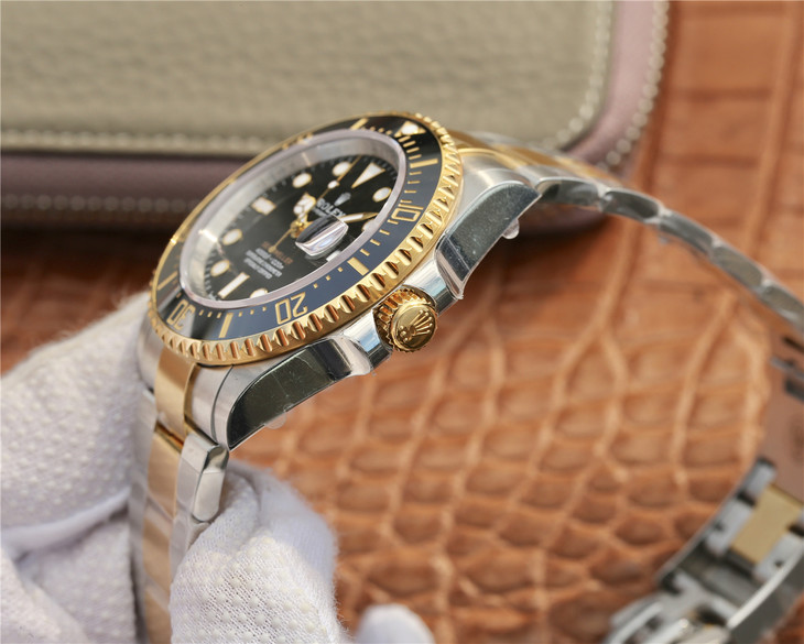 Rolex Sea-Dweller 126603 Crown