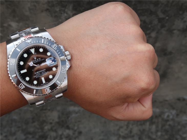 Nail Submariner Wrist Shot