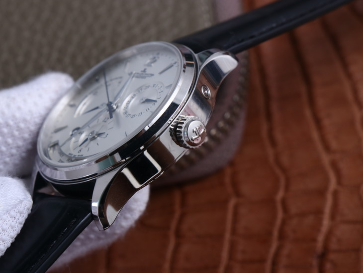 Jaeger LeCoultre Geographic Crown