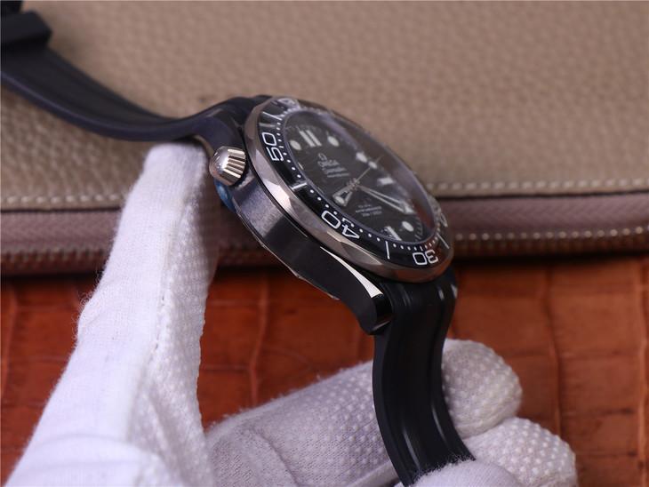 Omega Seamaster Diver 300m Ceramic Case
